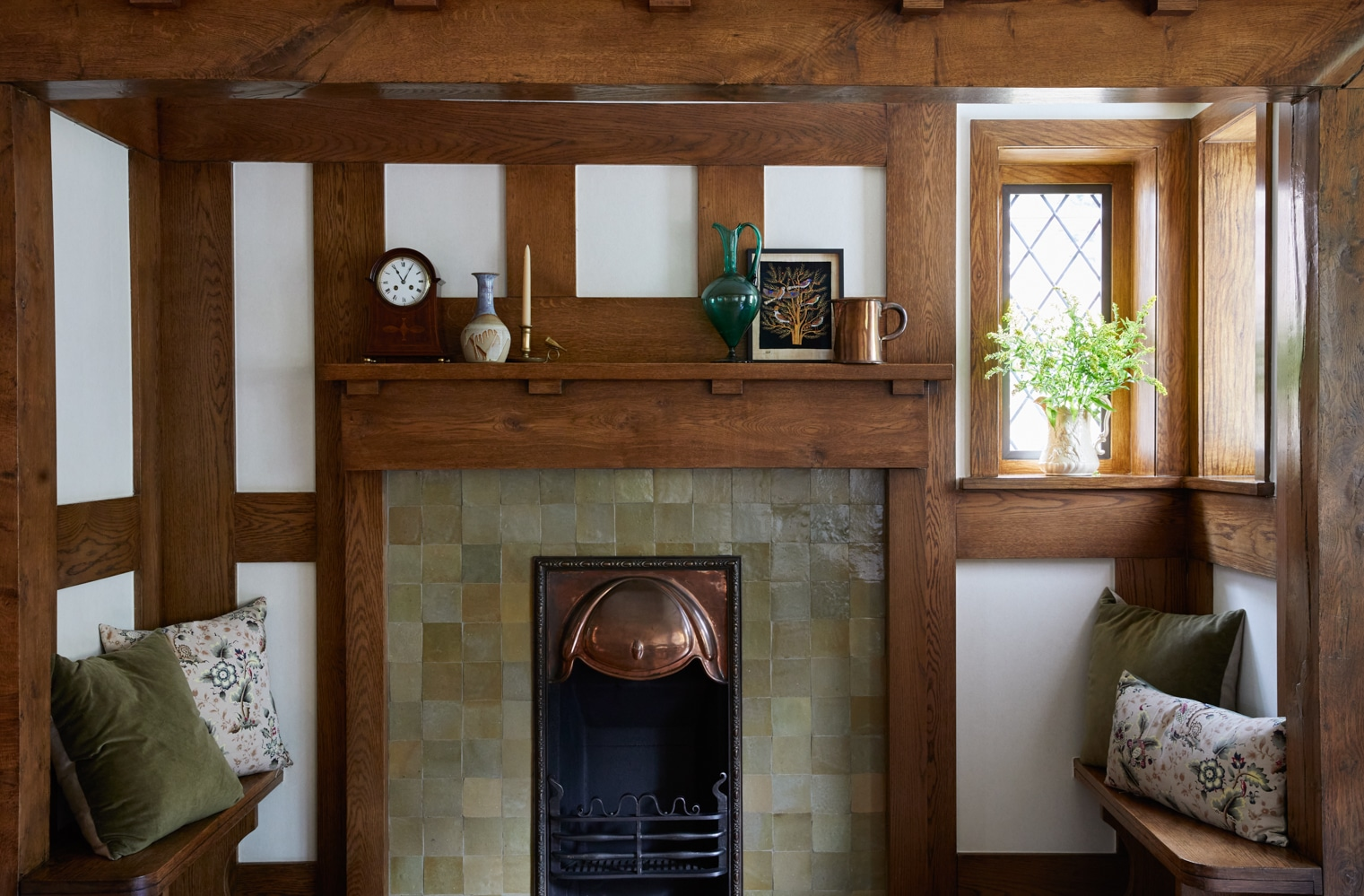 Arts & Crafts restoration of an Inglenook fire in the Arts & Crafts style
